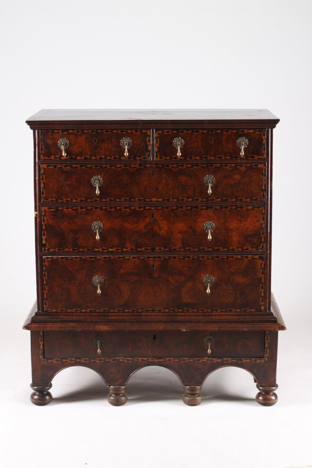 English commode