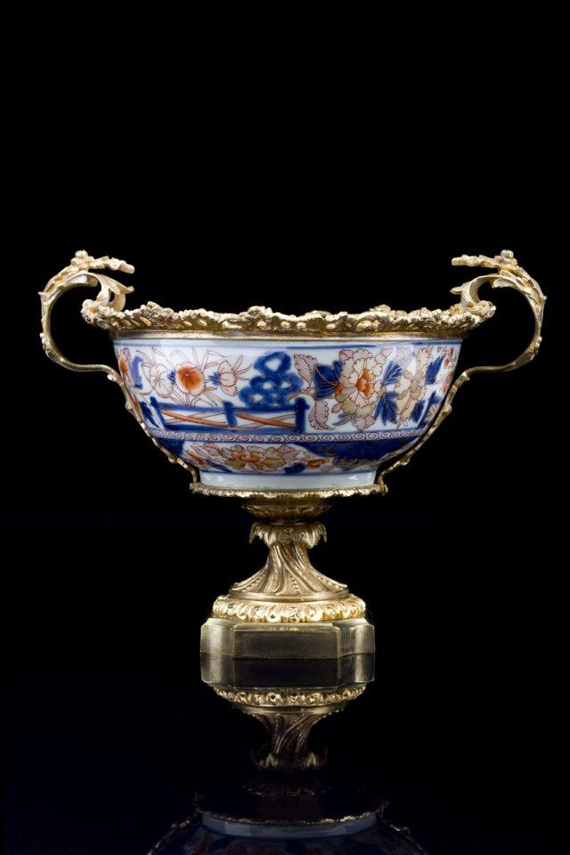 Taça em porcelana com decoração Imari