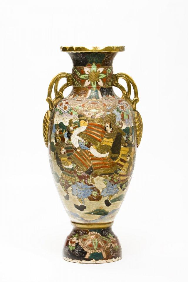 Grande jarrão em faiança, período Showa