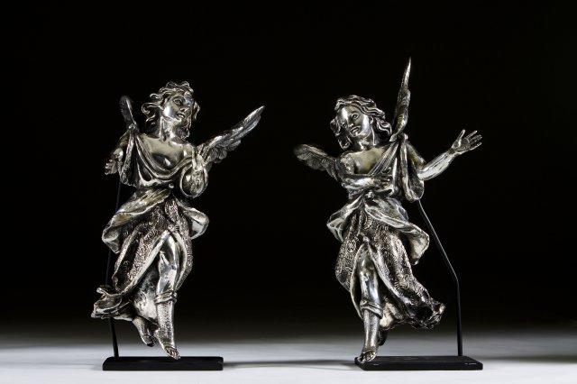"""Par de esculturas """"Anjos"""" em prata"""
