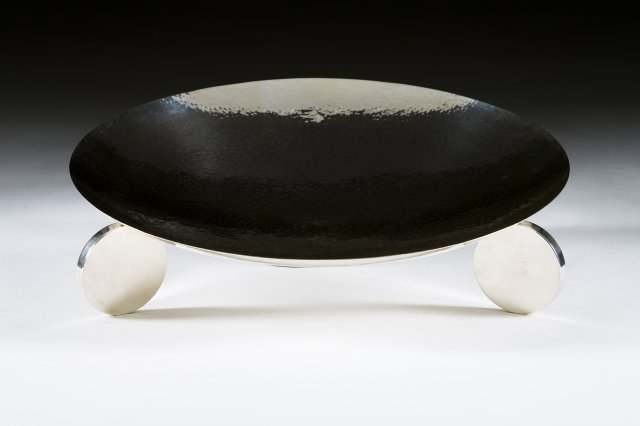 Taça de grandes dimensões em prata portuguesa martelada