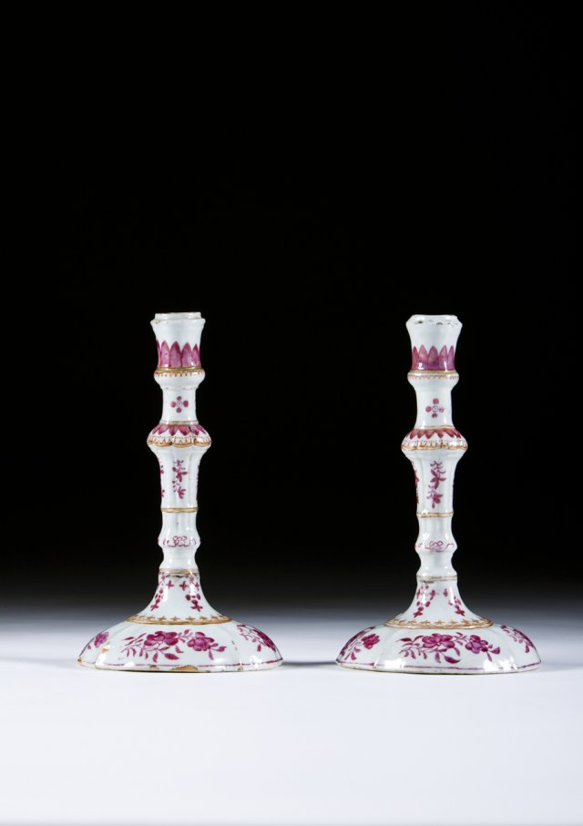 A chinese export porcelain pair of candlesticks