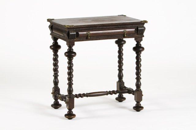 Pequena mesa Bufete