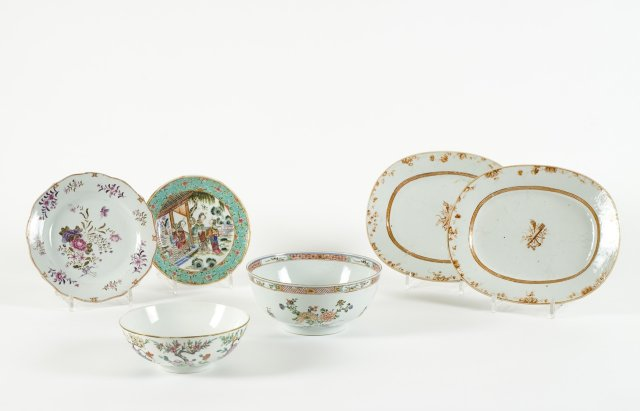 A late 19th century, early 20th century Chinese porcelain bowl