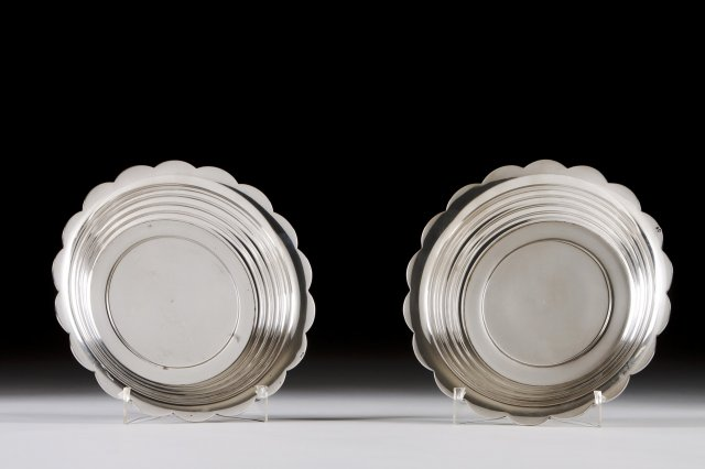 Pair of silver fruit bowls