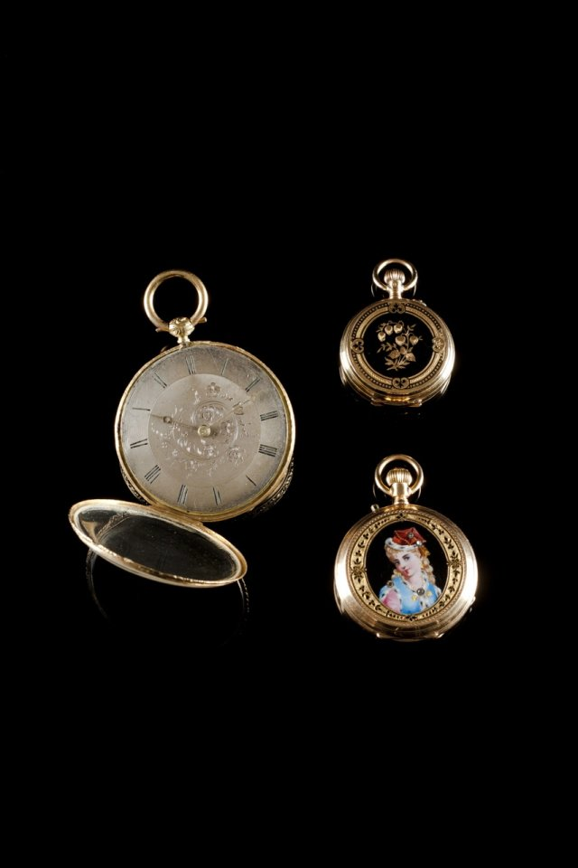 Lapel watch F. COURVOISIER