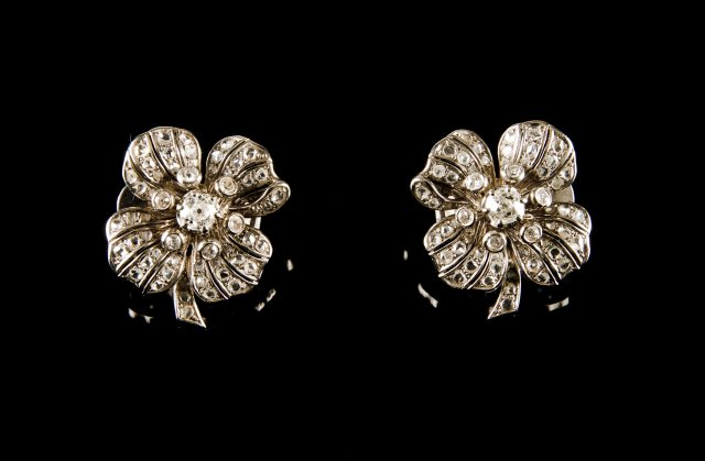 "Pair of diamond ""flower"" earrings"