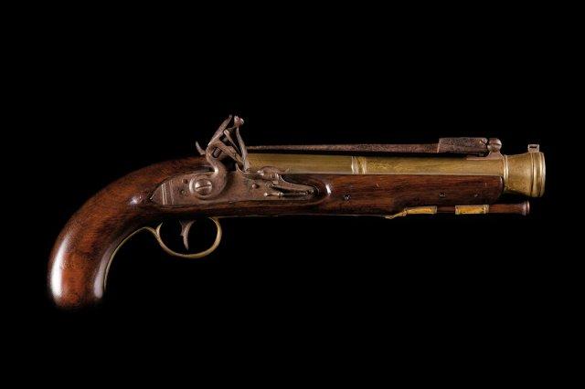 A naval officer english flintlock pistol, 1st quarter of the 19th century