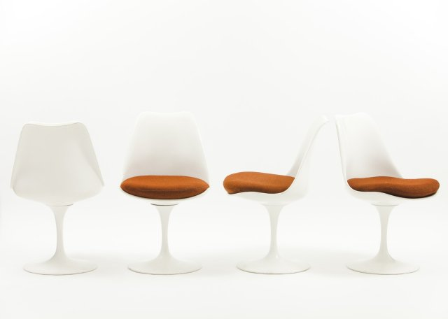 Tulip chairs (1955-56)