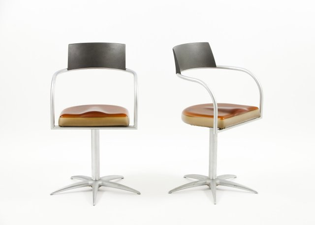 Pair of rotating chairs