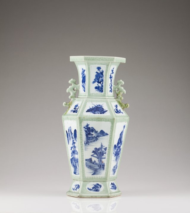 A 19th century Chinese porcelain baluster vase