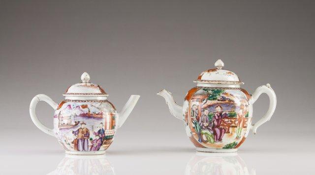 Two Qianlong tea pots