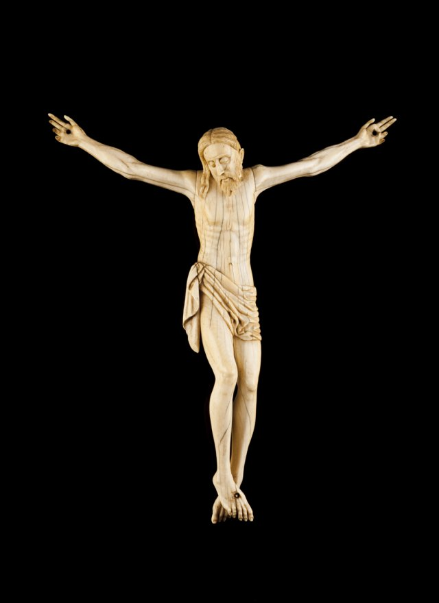 A 17th century Cingalo-Portuguese ivory sculpture of Christ