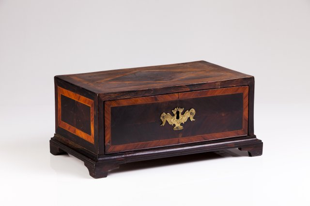 A D.Maria (1777-1816) rosewood drawer