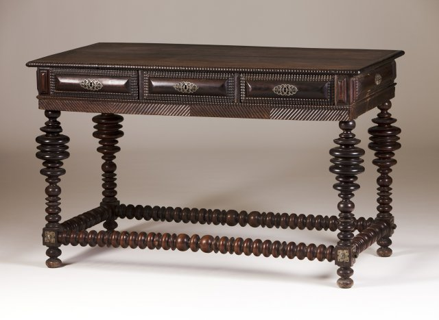 "An 18th century Portuguese rosewood ""bufete"" table"