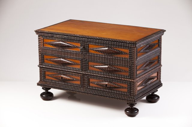 An 18th century Portuguese thornbush chest