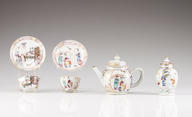 Two Qianlong cups and saucers