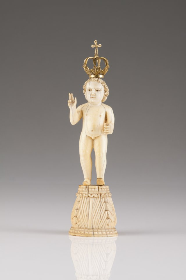 A late 16th, early 17th century Indo-Portuguese ivory sculpture of Child Jesus, Saviour of the World