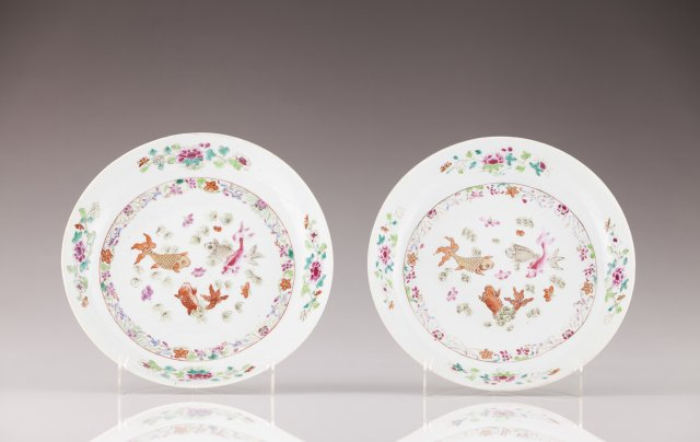 A pair of Qianlong soup plates