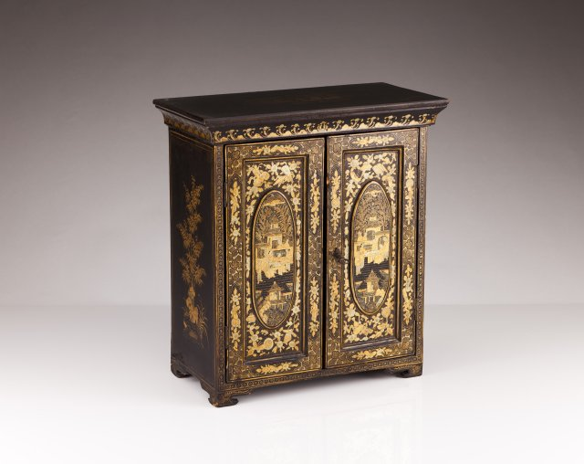 A small late 19th,early 20th century Chinese cabinet