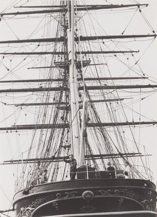 """Mário Cesariny """"A bordo do Cutty Sark em Greenwich, 1905"""""""