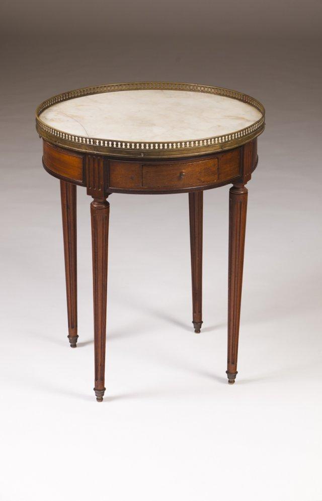 A Louis XVI style guérridon