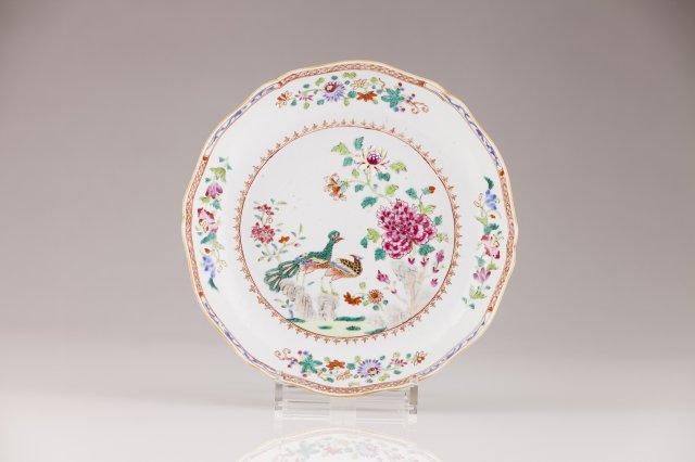A Qianlong soup plate, D.João VI Service