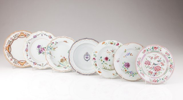 Two Qianlong scalloped soup plates