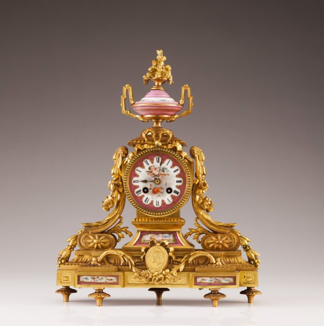 A French late 19th, early 20th century table clock
