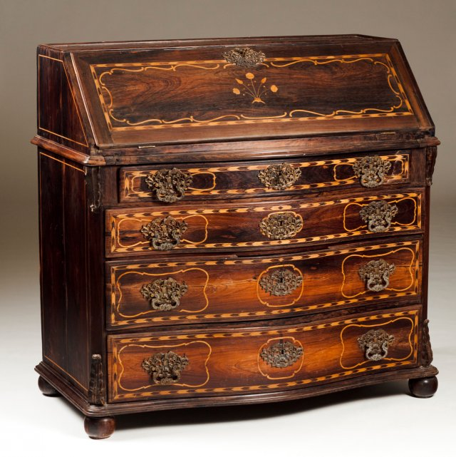 A D.Maria (1777-1816) rosewood bureau