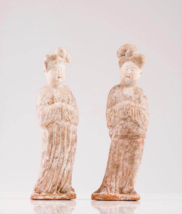 Duas figuras femininas