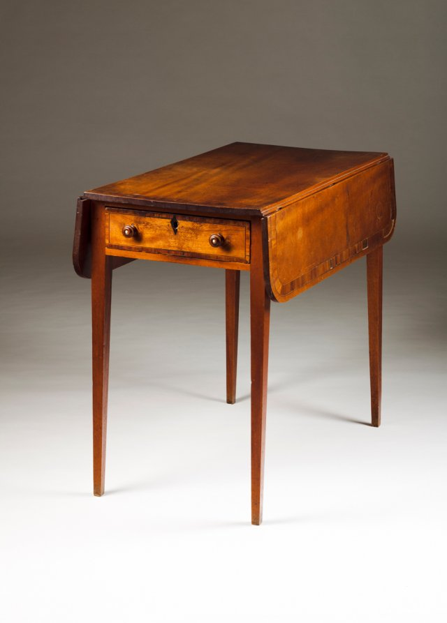 A D. Maria twin flat top table