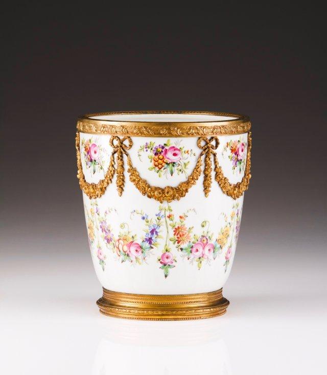 A flower bowl