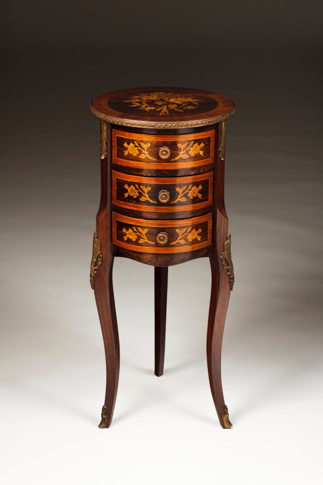 A small D. Maria style side table