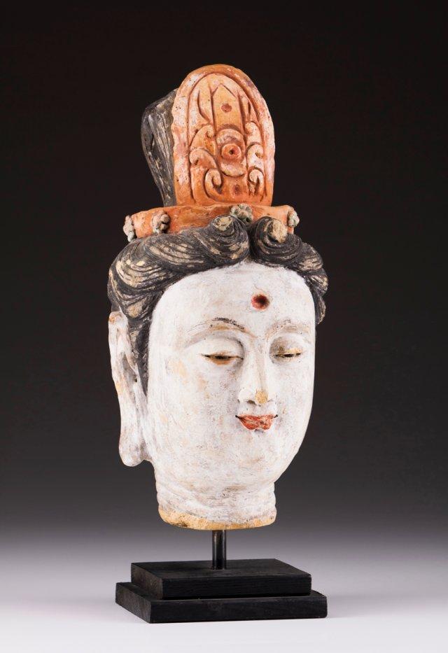 A Bodhisattva head