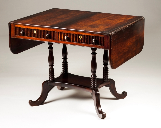 [Auction 65] Lot 60 – A George III sofa-table