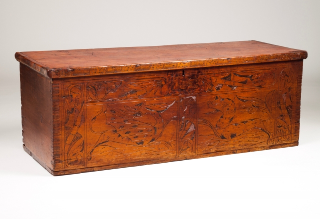 [Auction 70] Lot 41 – A chest