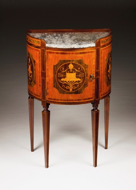 [Auction 70] Lot 52 – A D. Maria style side table