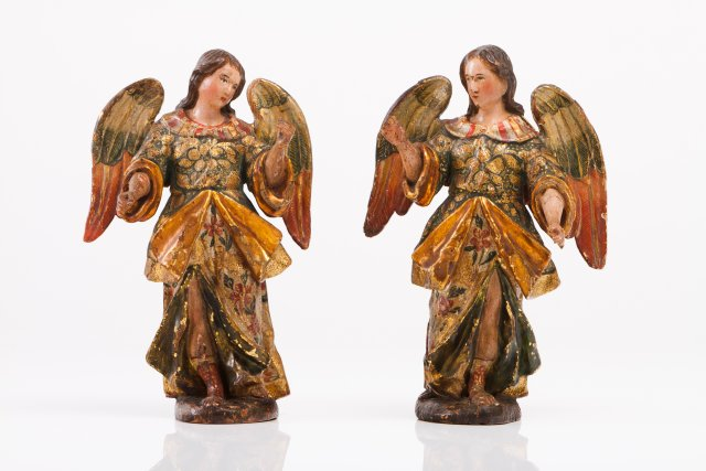 A pair of Baroque angels