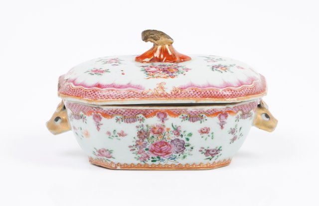 A tureen with cover