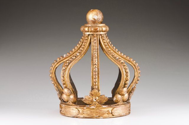 A royal crown