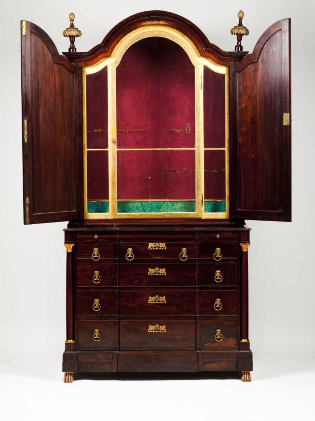 An Empire style commode with oratory