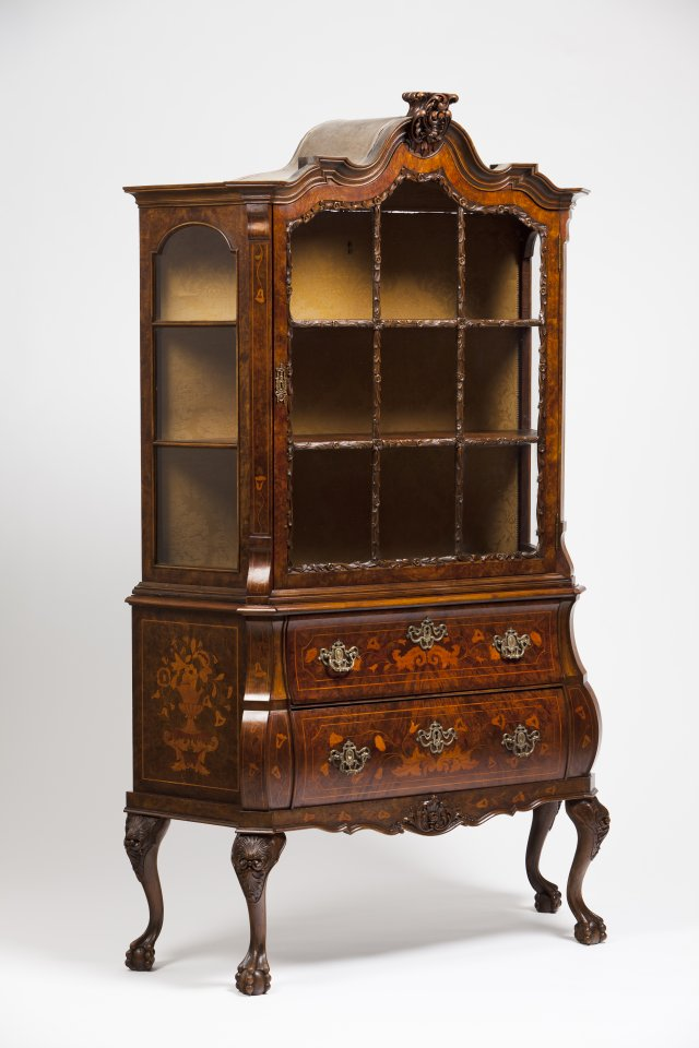 A chest of drawers bookcase