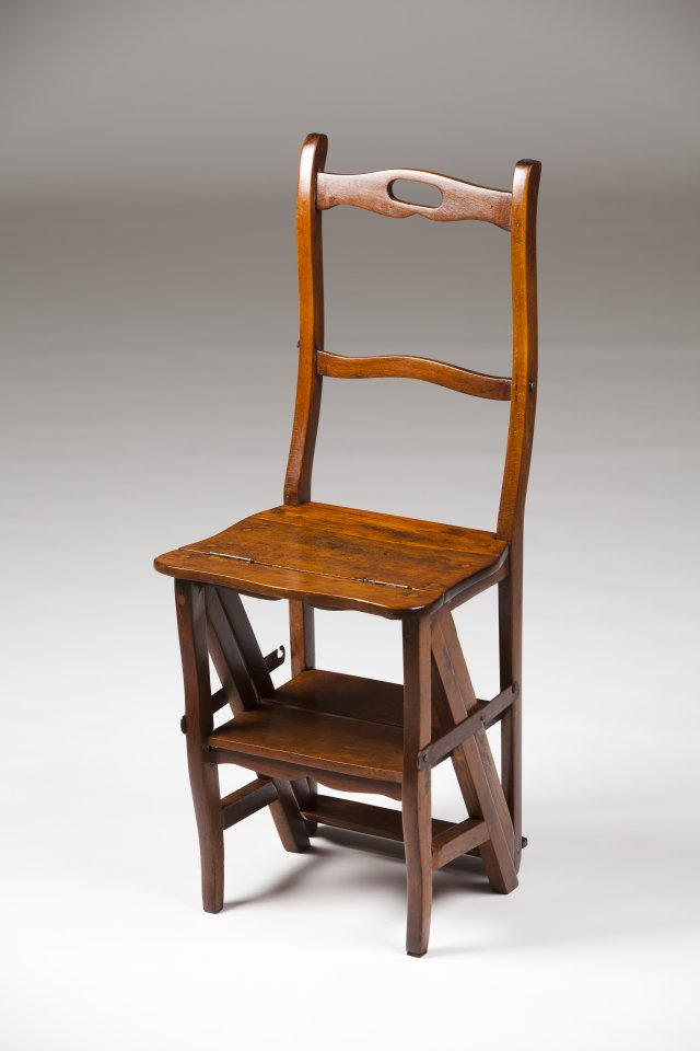 A library chair / step ladder