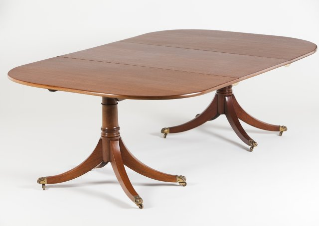 An English dining table
