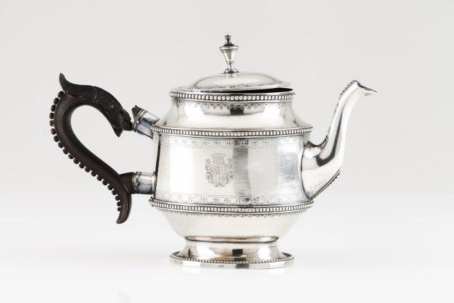 A D.Maria teapot