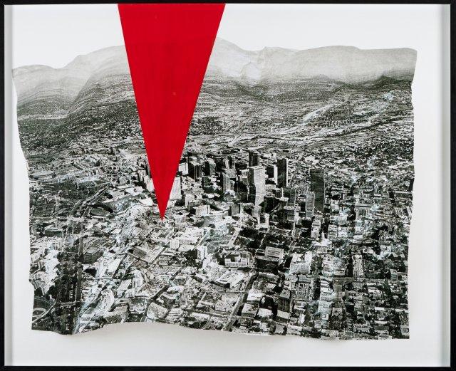 """""""A Perspectiva do Espectador - O Triângulo Vermelho"""", 2010"""