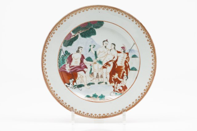 "A plate ""Judgement of Paris"""