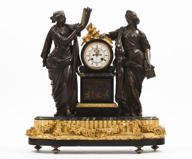 Grande relógio de mesa