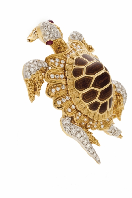 """[Auction 73] Lot 19 – A """"turtle"""" brooch"""